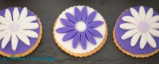 Purple Flower Cookies mit Fondant