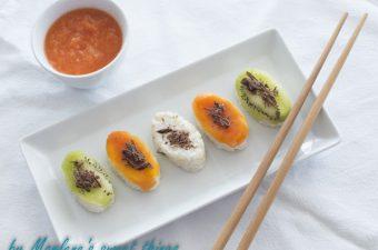 Sushi aus Milchreis mit Papaya und Kiwi