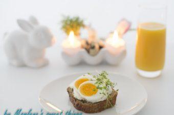 Osterbrunch: Kräuterquark mit Ei