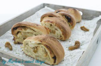 Tomaten Mozzarella Brot – Roll Pull Apart Bread