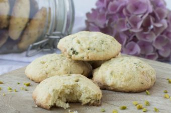 White Chocolate – Pistache Cookies