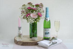 Blumenvasen aus geschnittenen Flaschen basteln mit Rimuss Fresh